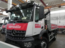 adesivi personalizzati camion
