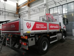 scritte adesive camion